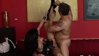 milf roxy deville gets nailed from behind