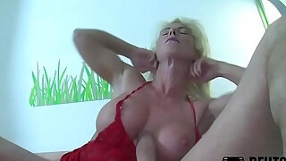 blonde milf with silikon breasts