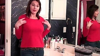 moms pantyhosed cum hole receives her all hawt and concupiscent