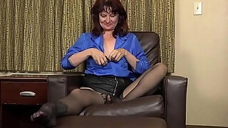 american mummy zoe slams her bawdy cleft with nylons