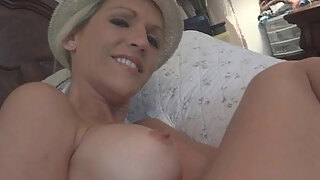 mature doxy finger ticklings and gargles