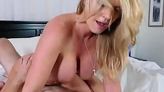 mom allies daughter in law milfplayfellow dont sleep on stepmamma
