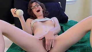 young milf hairy pussy electric