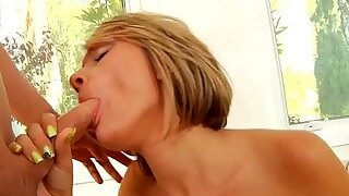 mature hottie gargles and guzzling
