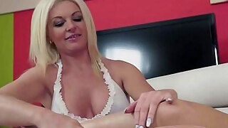 bigtitted milf receives pussylicked