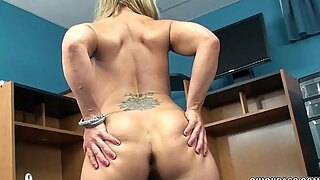 mature blond skylar rae is frolicking with her enjoyable cookie