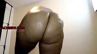 sexy thick milf