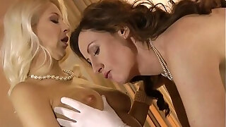 mature british pussylicked by lesbo honey